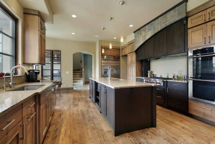 Точечные светильники на кухне