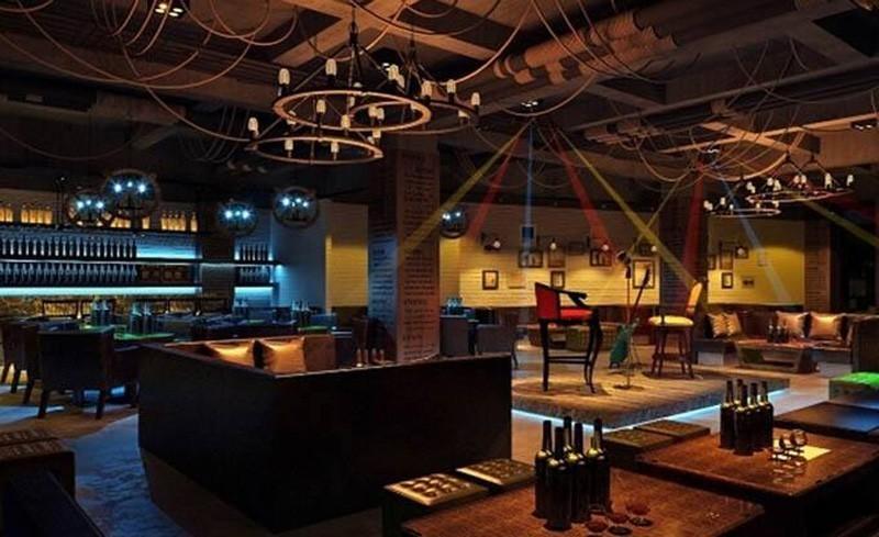Как организовать освещение в зале кафе, бара или ресторана