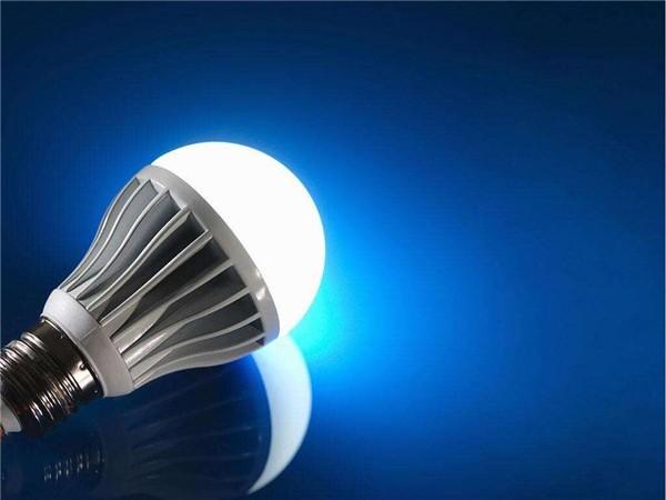 Сколько потребляет светодиодная лампа и какой экономии можно достичь